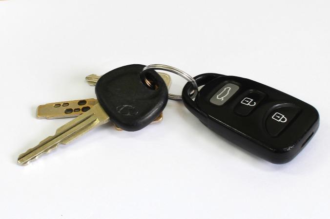 car-key-842107_1280