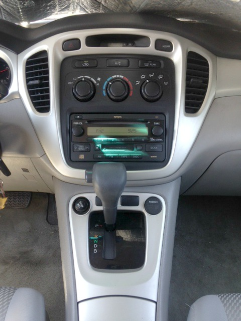 Center stack 2007 Toyota Highlander hybrid